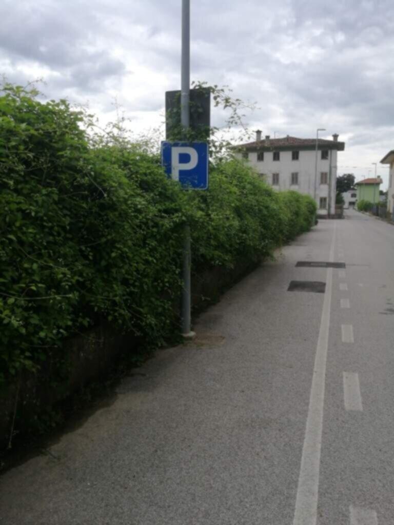 AREA Parcheggi in Via Zilli