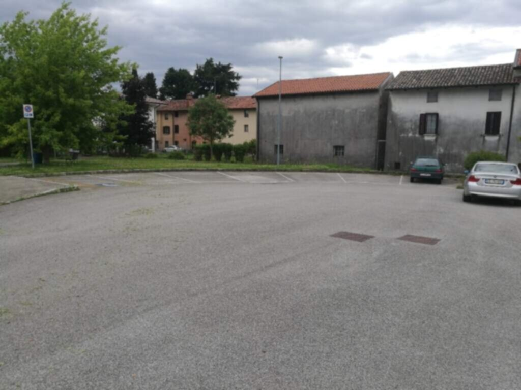 AREA Parcheggi in Via Villa Italia